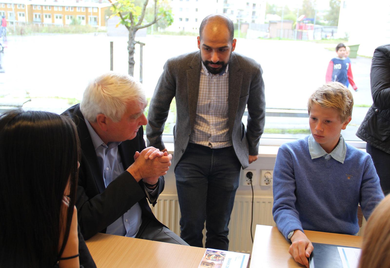 Bilde fra lanseringen av husfred.no – snakk om spill på Engebråten skole